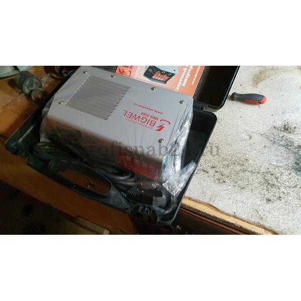 Сварочный инвертор Vektor ММА-200А в картонной упаковке оптом в Москве
